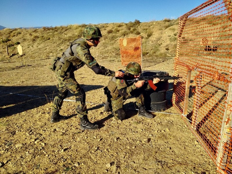 Военни тренират стрелба през февруари край Сопот