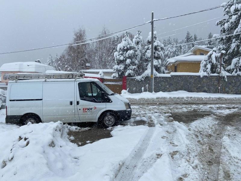 Село Гълъбово притихнало под 40 см сняг, Енергото стои на пост