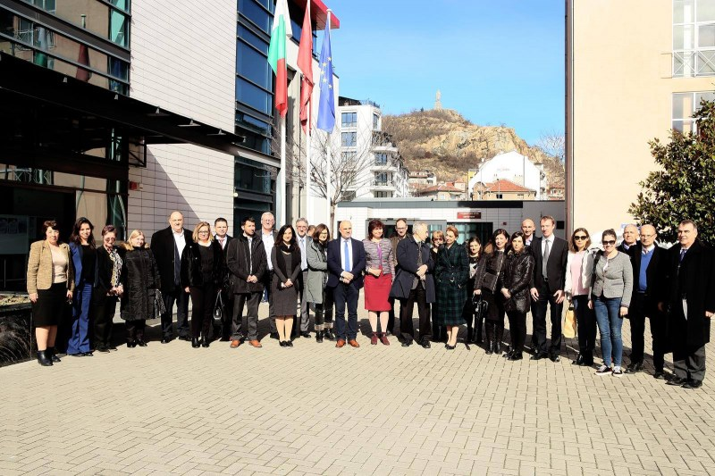 Делегация от Съвместния изследователски център към Европейската комисия посети МУ-Пловдив