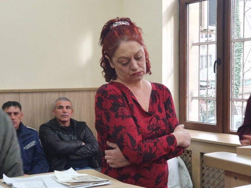Пияната учителка от Хисаря се споразумя с прокуратурата, ето как я наказват