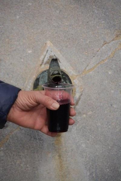 Вино потече от чешмата на Етнографската къща в Асеновград