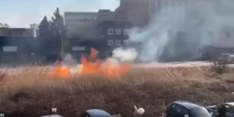 Пожар избухна на Карловско шосе
