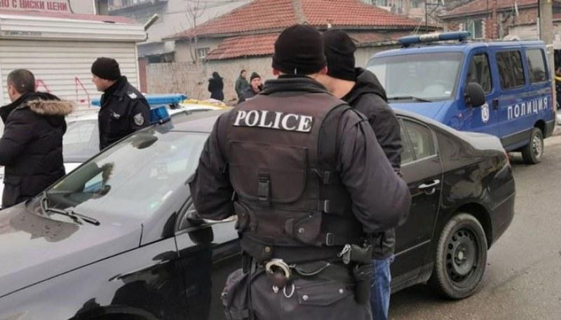 Нова акция в Столипиново! Арестуваха майка и син - дилъри на хероин