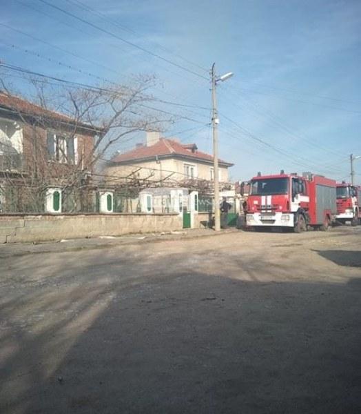 Пожар засегна две къщи край Съединение