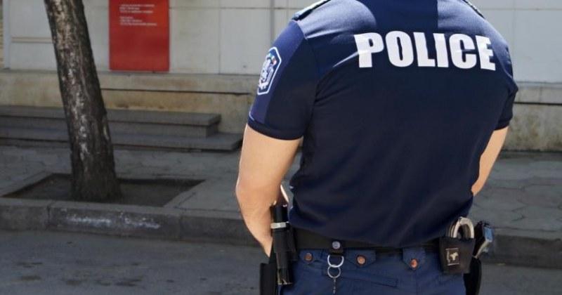 Върнаха на работа полицая, завлякъл с пари семейства в пловдивски села