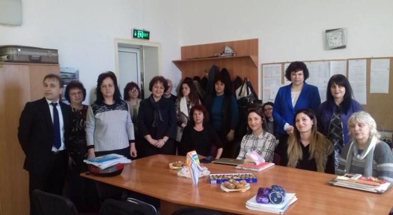 Важен ден за Белозем! Гости от министерството посетиха Щъркеловото училище