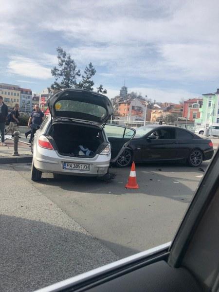 Катастрофа в центъра на Пловдив помрачи празничния ден
