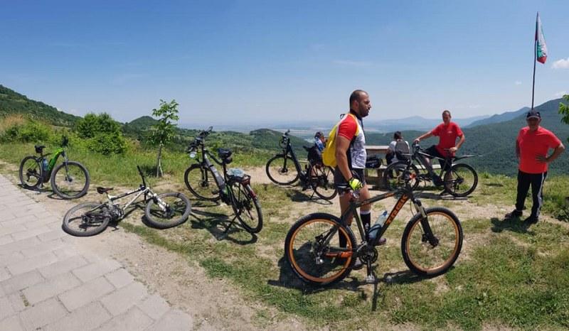 """""""Счупената спица"""" в Белозем кани смелите на поход с велосипеди"""