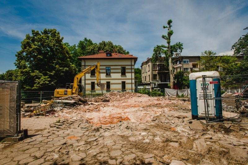 Нова сграда искат собствениците на къща Куцоглу, общината настоява да се възстанови старата
