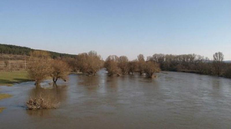 Предупреждават за очаквано повишаване на водите на Марица край Стамболийски