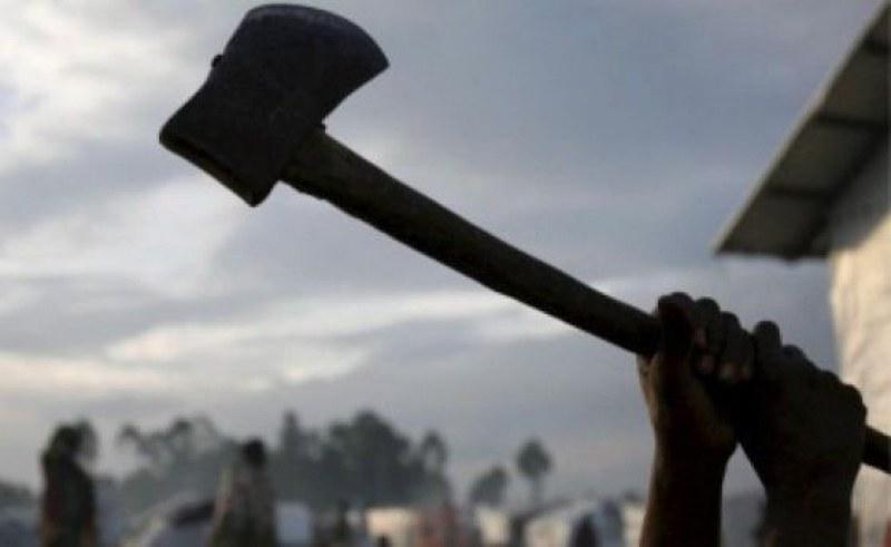 Син заплаши с убийство баща си в Първомайско, подгони го с брадва