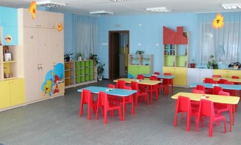 """Раздават храната от детските градини и яслите в община """"Родопи"""" на бедни и самотни хора"""