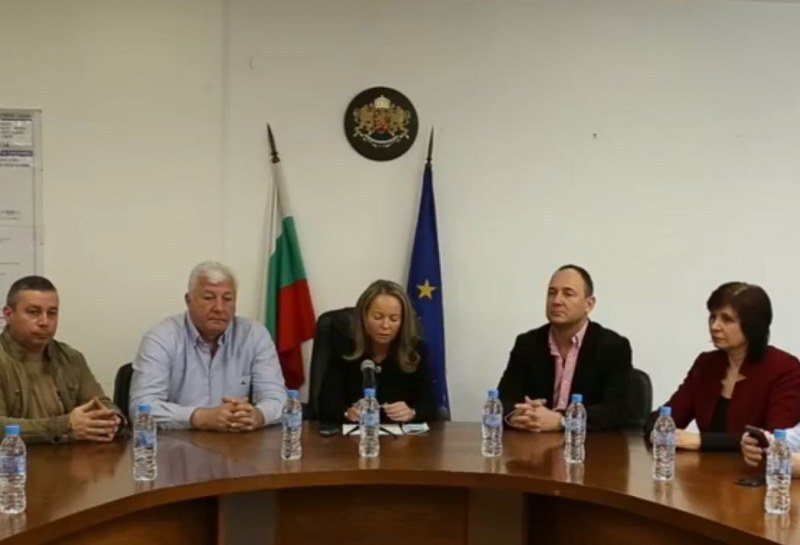 Областният управител отмени част от заповедите на кметовете на Сопот и Кричим