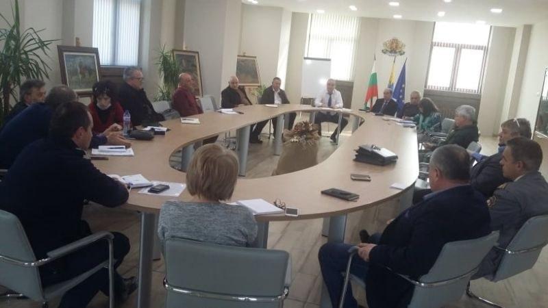 Ремонтират крило на болницата в Асеновград, за да приема пациенти с коронавирус