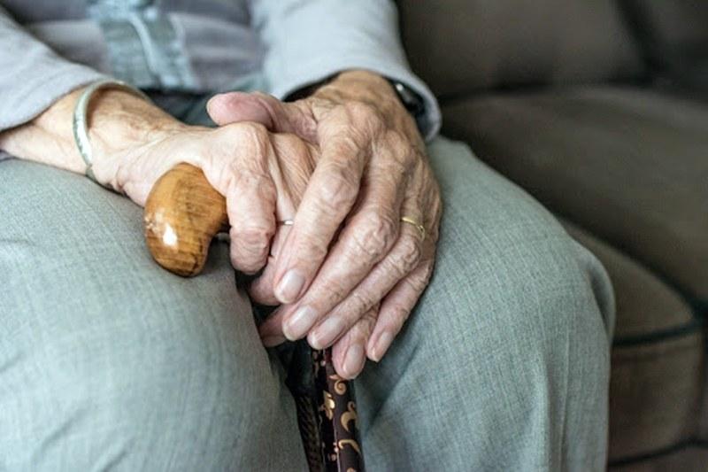 Доставят лекарства и стоки от първа необходимост на възрастни хора в Сопот