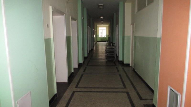 Жената с коронавирус е в добро общо състояние, 189 души са под каратина в Карлово и Сопот