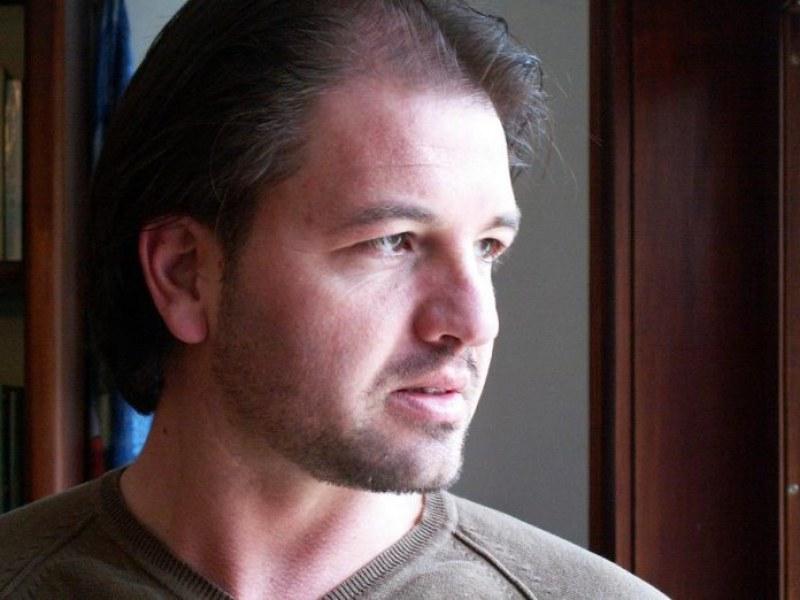Горещи телефонни линии в библиотеката в Асеновград, психолог помага при паника заради коронавируса