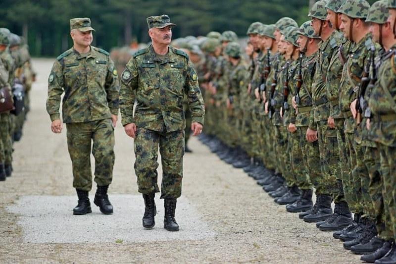 Десетки военнослужещи от Карловската бригада са в отпуск