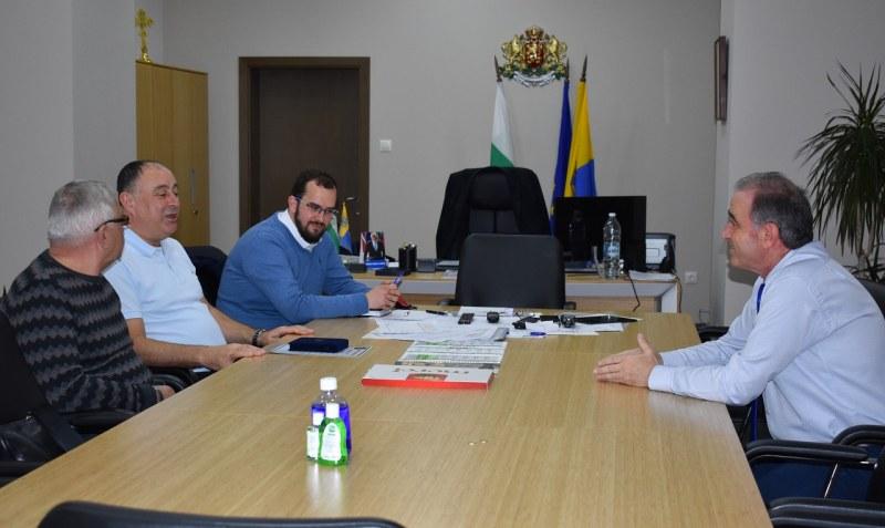 Кметът на Асеновград прие в кабинета си най-големия дарител на болницата