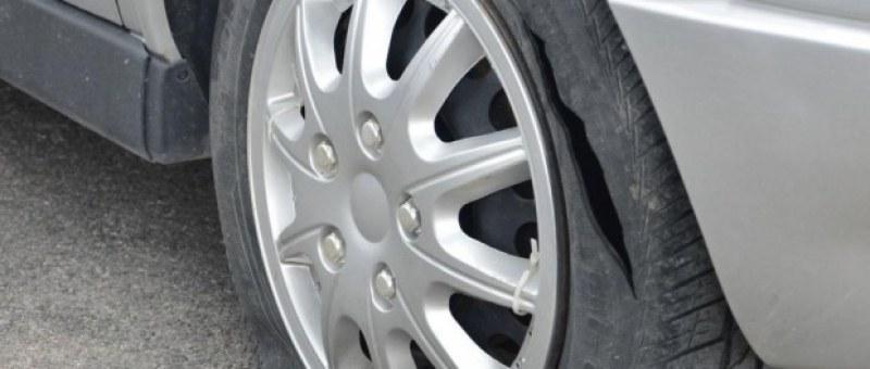 Младежи от Асеновград повредиха чужда кола, хванаха ги