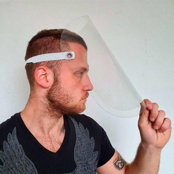 Пловдивска компания предлага предпазни шлемове, маски и гелове за ръце