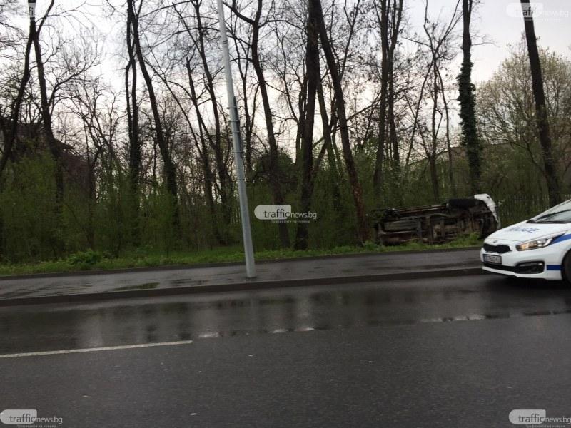 Тежка катастрофа край Лаута! Кола се преобърна