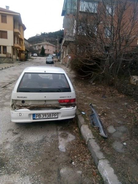 Маркираха десетки изоставени коли в Асеновград, следва принудително вдигане
