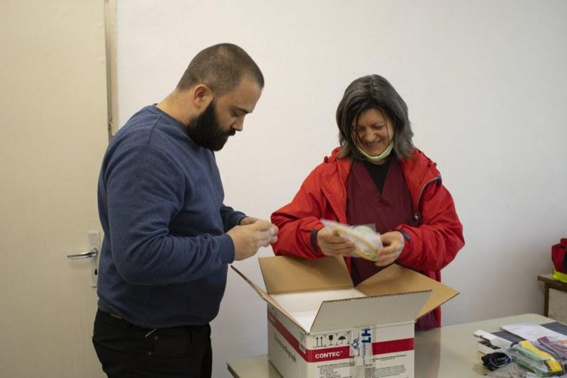 Нови ЕКГ апарати пристигат в болницата в Първомай благодарение на дарители