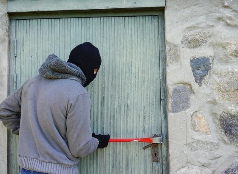 Крадци обраха къща в Кричим, единият се оказа непълнолетен