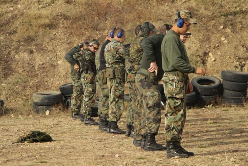 Тренировки по стрелба на полигона в Анево и през месец май