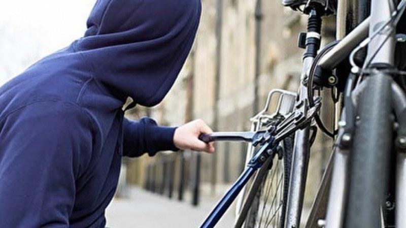 Крадец рецидивист задигна колело в центъра на Пловдив, пратиха го в ареста
