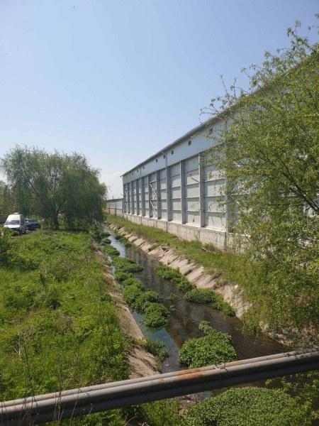 Мандрата в Маноле замърси река Черна, инспектори от три институции дойдоха на проверка