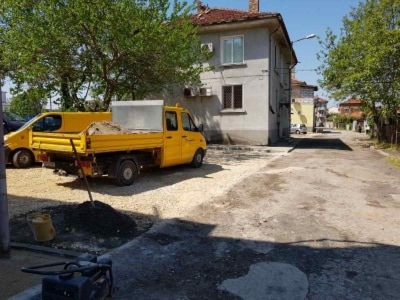 Започна дългоочакваният ремонт на локалното на Цариградско шосе в Пловдив