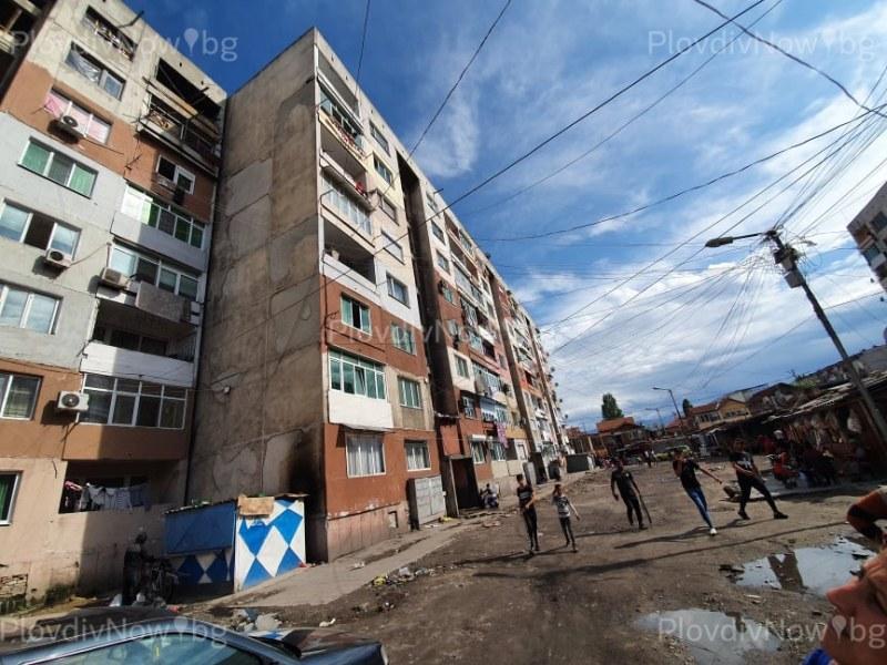 Пукнатините в блока в Столипиново не са от труса, но не е ясно дали е годен за живот
