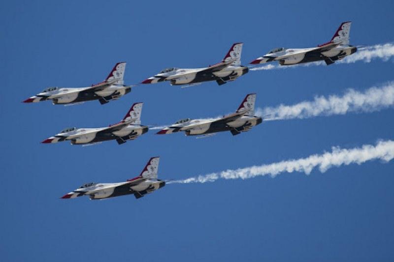 Зрелищно шоу в небето над Графа днес, ще участват и пилоти от Крумово