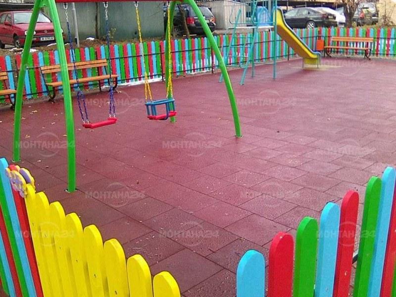 Нова детска площадка в Златитрап, правят първа копка