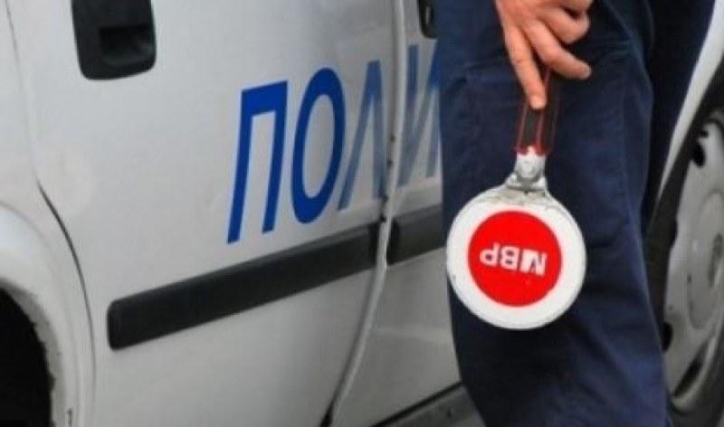 Арестуваха мъж от Перущица, шофирал кола с чужди номера