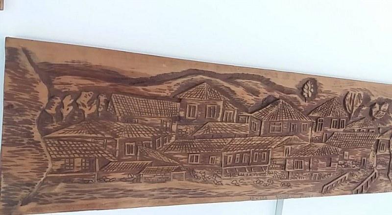 Майстор-дърворезбар показва изложба в Перущица