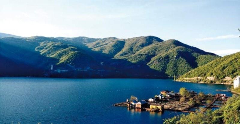 Забраниха къпането и плуването в необезопасени водоеми край Кричим