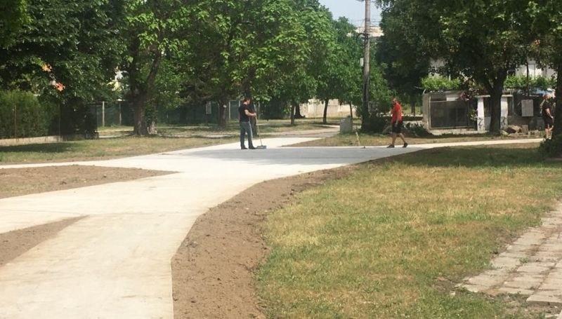Готови са алеите в някои от парковете в Стамболийски