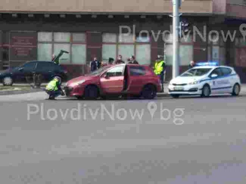 Смел шофьор си спретна гонка с полицията в Пловдив, край Стамболийски спипаха пиян и без книжка