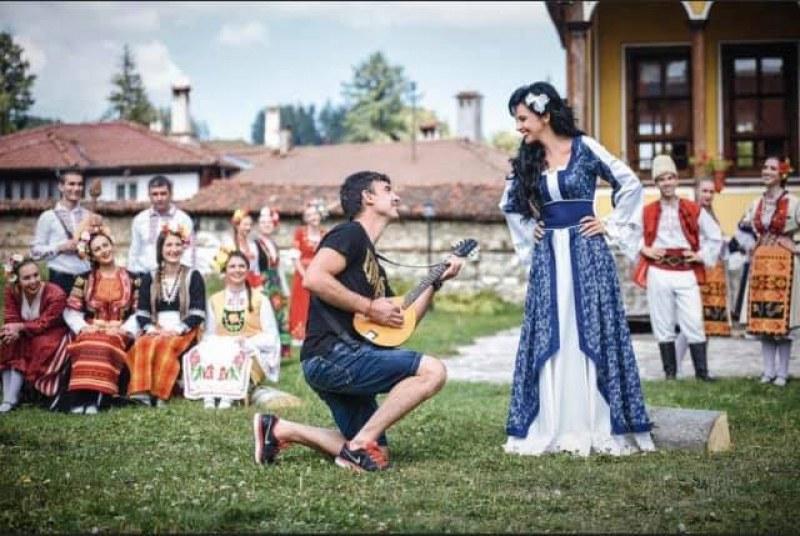 Една от най-обичаните певици - Росица Пейчева, получи годежен пръстен