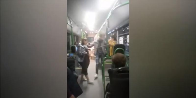 Хоро се изви в автобус от градския транспорт в Пловдив