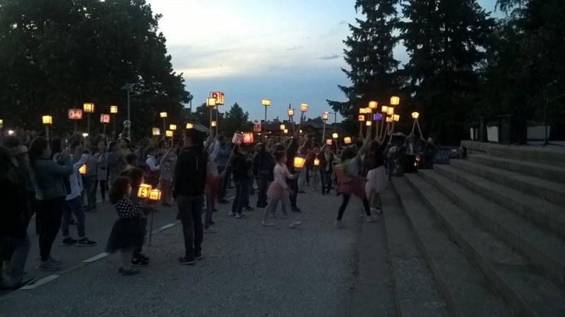 Близо 150-годишна е традицията на фенерчетата в Перущица, ето каква е историята