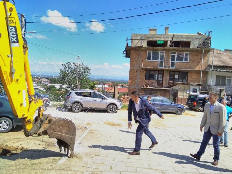 Стотици семейства ще бъдат присъединени към новата канализация в село Първенец