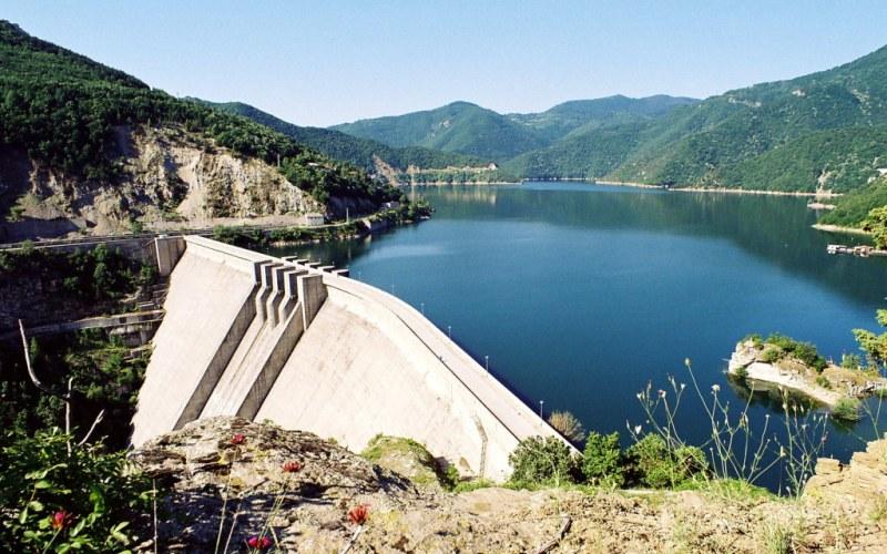 Каназирева се срещна с енергийния министър, обсъждаха река Въча и кариерите в Белащица