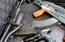 Мъж с пълно бойно снаряжение арестуван в Хисаря, оказало се незаконно