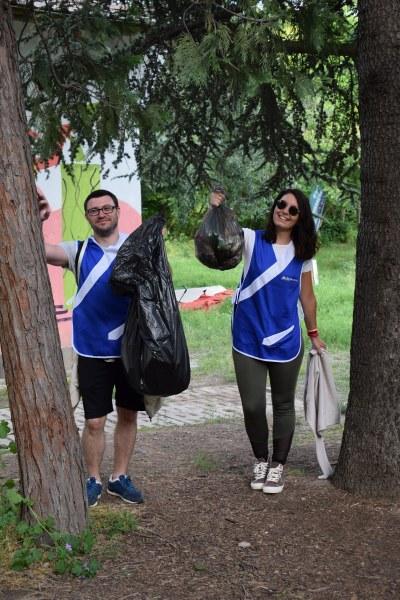 """Кампанията продължава: Доброволци почистват и """"Тракия"""""""