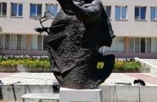 Паметник на Златю Бояджиев издигнаха в родното му Брезово