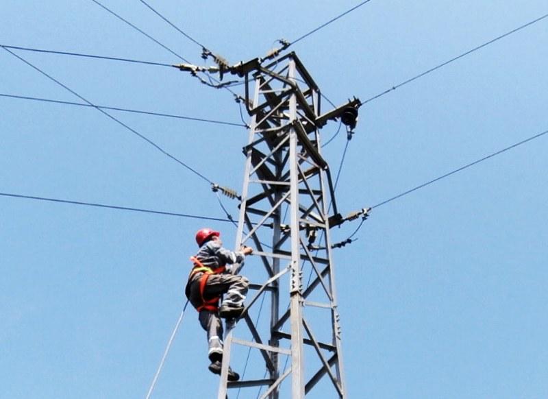 Ремонти налагат спиране на тока по улици в Куклен